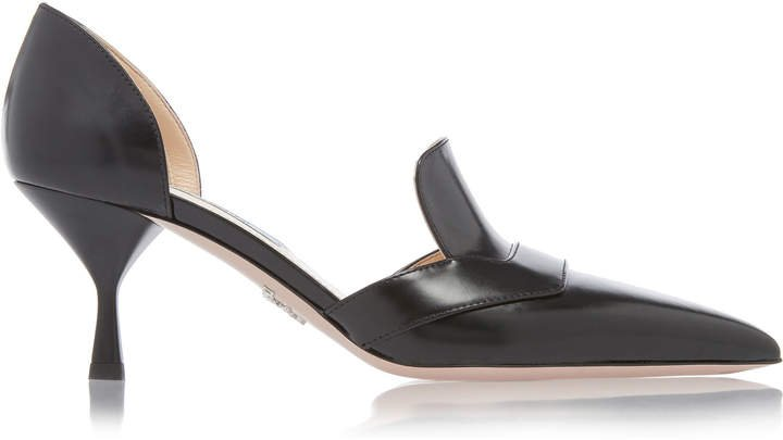 Pointed Toe Sleek Loafer