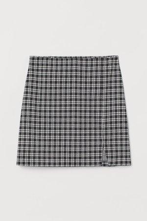 Short Slit-hem Skirt - Black