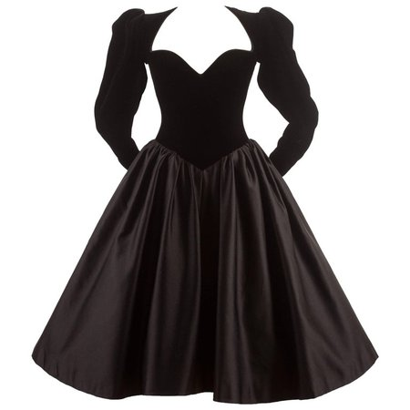 Yves Saint Laurent Haute Couture Autumn-Winter 1981 black velvet cocktail dress For Sale at 1stdibs