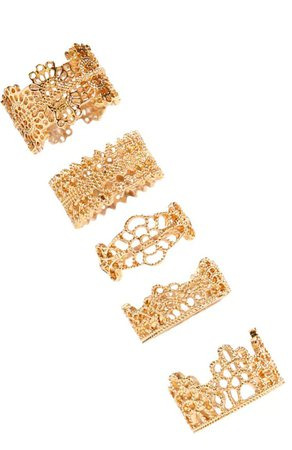 Intricate gold ring pack