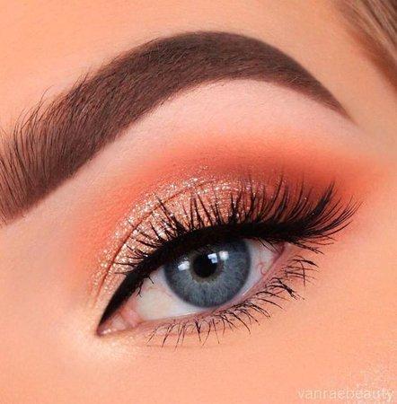 Coral Eyeshadow Eyemakeup