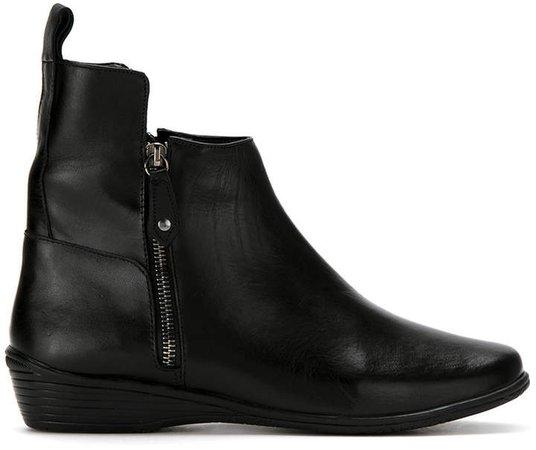 Mara Mac leather boots