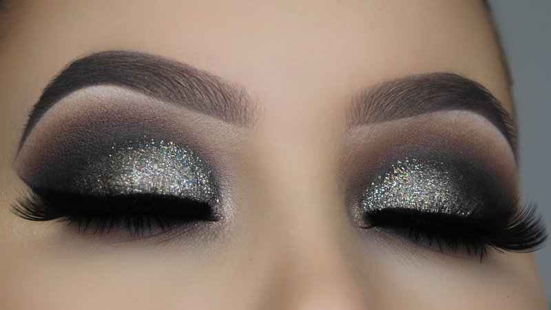 Silver and Black Eyeshadow