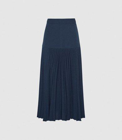 Davina Navy Pleated Midi Skirt – REISS