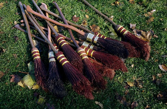 Quidditch Brooms | Harry Potter