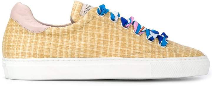 woven printed laces sneakers