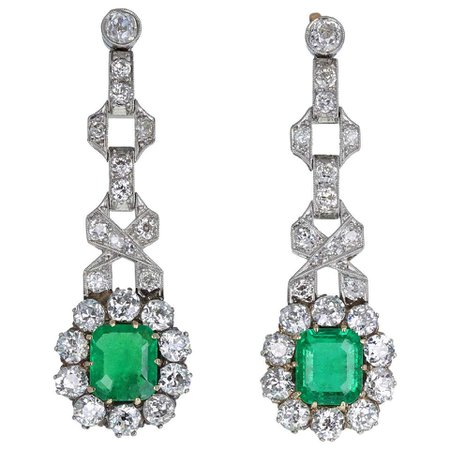 Art Deco 18 Carat Platinum Colombian Emerald Diamond Drop Earrings