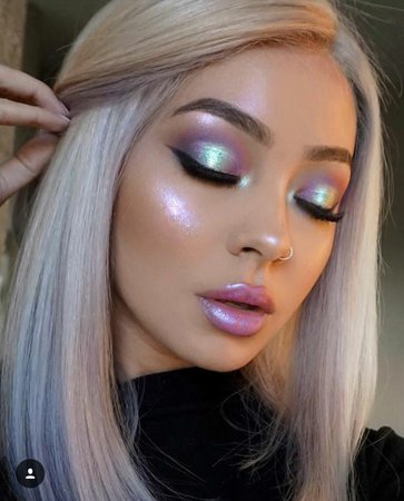 Holographic makeup | makeup, eyes et lips