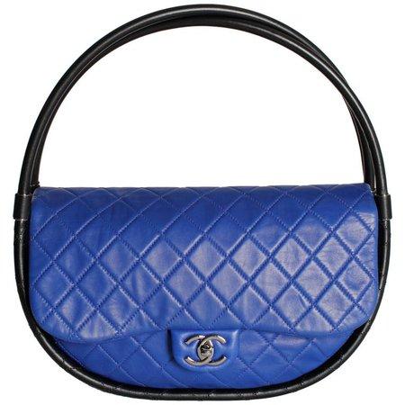 Chanel Hula Hoop Medium Bag Limited Edition - cobalt blue/black For Sale at 1stdibs