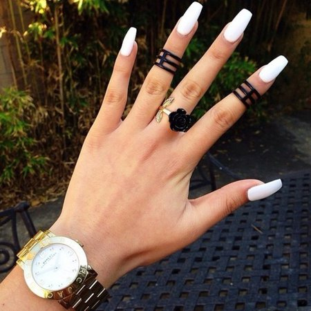 d35i02-l-610x610-jewels-rings-black+rings-nail+polish-black-gold-ring-chic-nails-watches-matte+black-matte-midi+rings-black+rose-watch-rose-trio+ring-finger-hand-clock-jewelry-accessories-accessori.jpg (610×610)