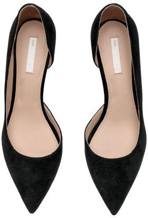 Pumps with Pointed Toes - Black
