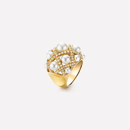 Baroque Ring - Baroque quilted ring in 18K yellow gold, cultured pearls and diamonds. Large version. - J2661 - CHANEL