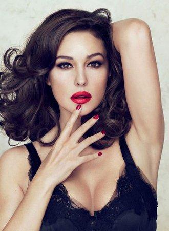 Monica Bellucci's Dolce & Gabbana Lipstick - Pursuitist