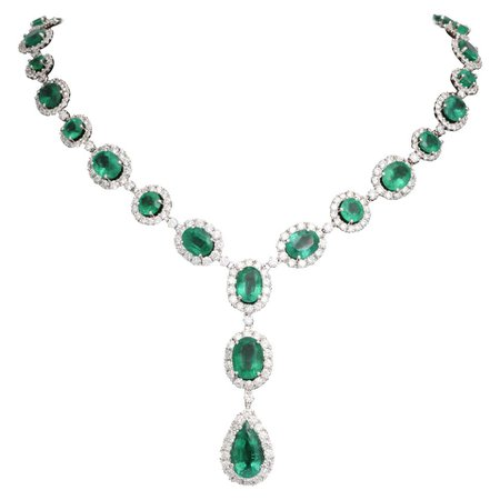 Emerald and Diamond Necklace For Sale at 1stDibs