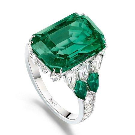 Piaget, Emerald ring