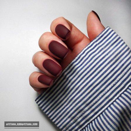 Reddit - Nails - Matte burgundy nails
