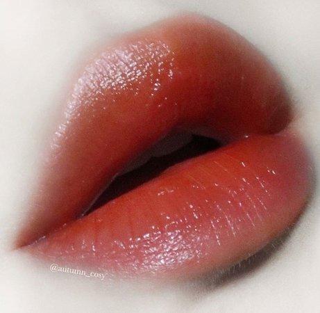 aesthetic makeup vampire pink pastel lips