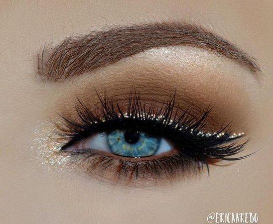 Smokey Brown Eyeshadow w/ Gold Eyeliner