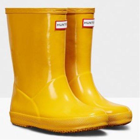 yellow hunter rain boots