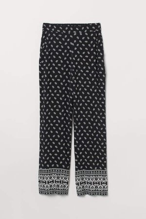 Wide-cut Pull-on Pants - Black