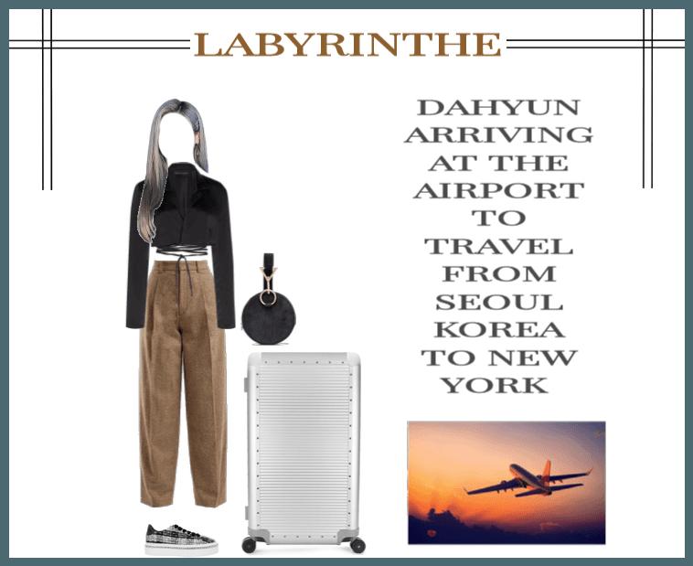 LABYRINTHE dahyun on airport