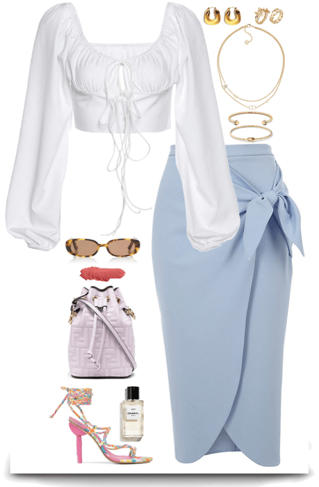 simple & elegance outfit with light colors