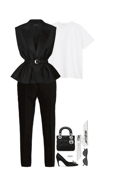 how a dior woman wear a white tshirt