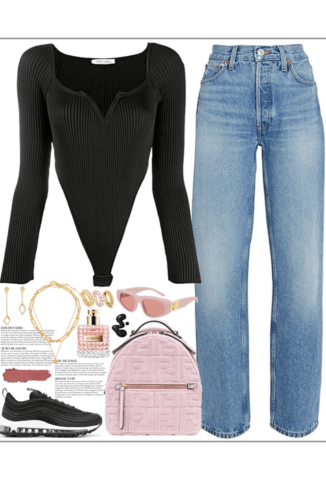 simple outfit with pink details & gold jewelry