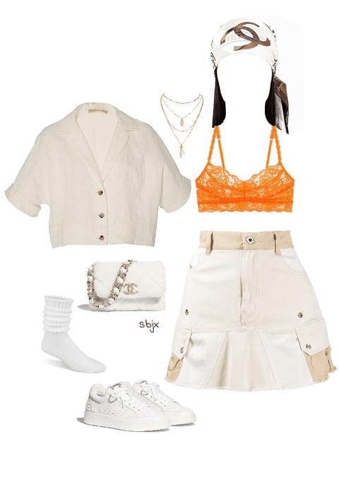 Chanel babe