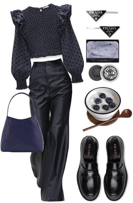 polka dot / navy blue